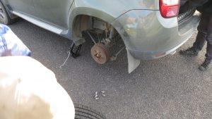 La voiture n'appréciait pas toujours notre rallye...